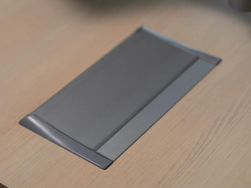Aero Flip, In desk Power module